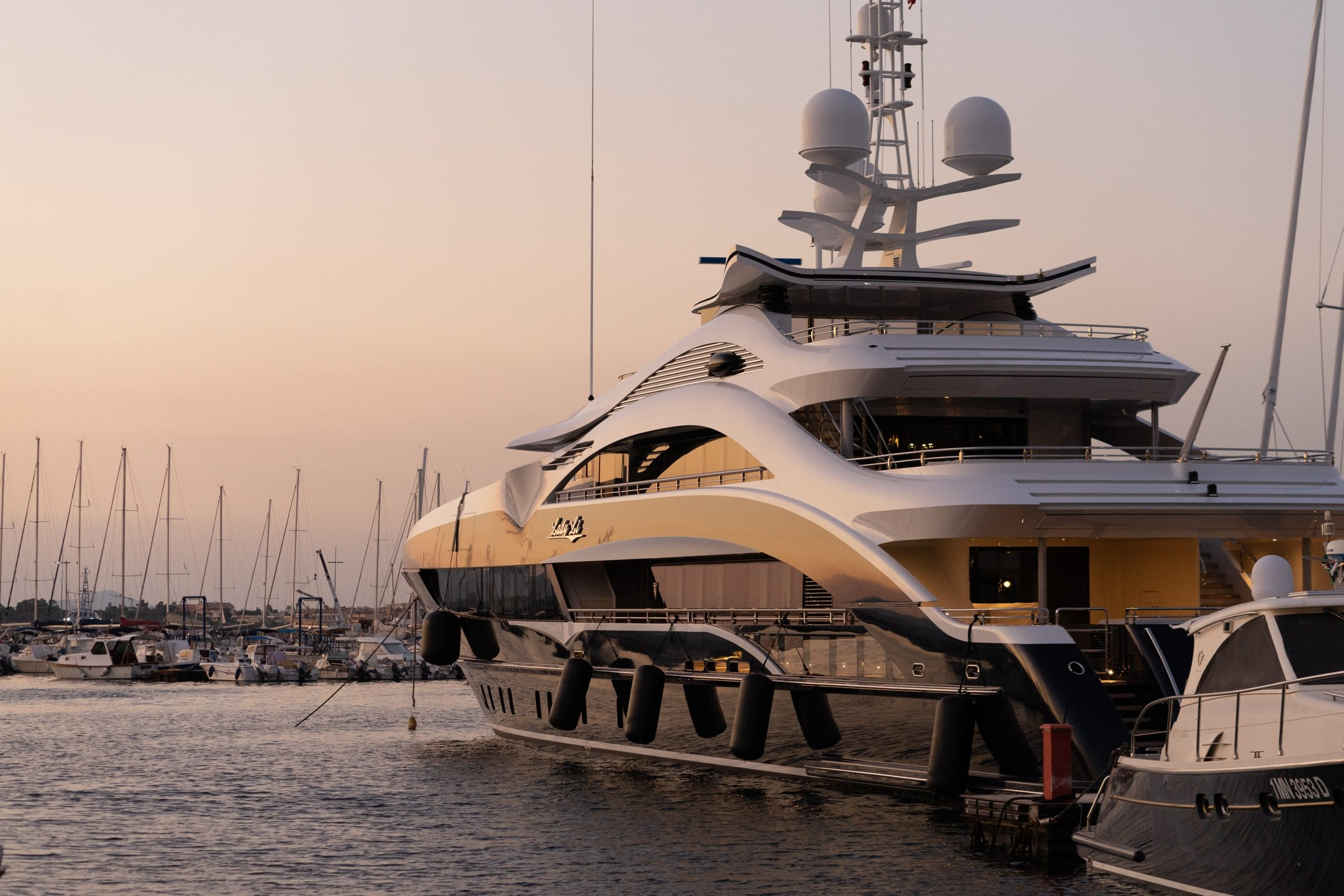 Yacht Header